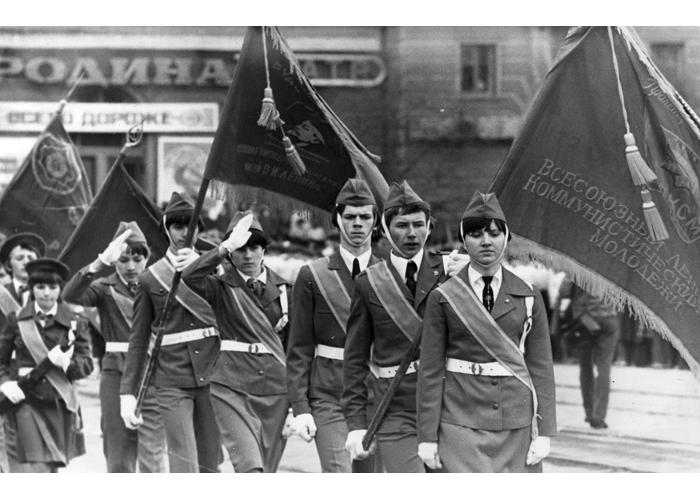 Юнармейцы - участники парада, в честь Победы в Великой Отечественной войне. 9.05.1980 г.