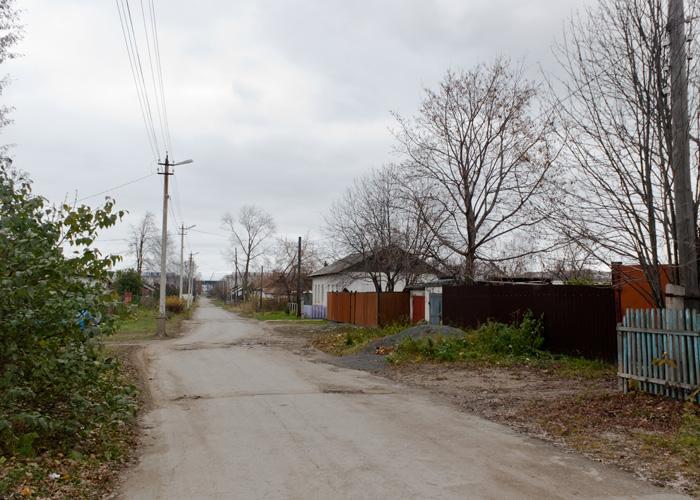 Улица Холкина в Дзержинском районе города Нижний Тагил. Октябрь. 2014 год. Фото Ирины Дубровиной.
