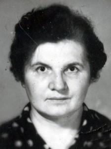 Фирстова Нина Александровна. 1970-е гг. (НТГИА. Ф.658. Оп.1. Д.5. Л.5)