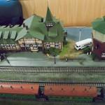 Фрагмент макета железнодорожной станции «Кордон», выполненный в масштабе 1:87, представленный в первом вагоне поезда-музея «Эшелоны Победы». 29.06.2015 год
