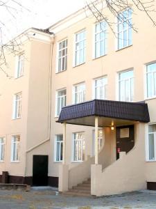 Фрагмент здания Нижнетагильского  педагогического колледжа № 2. 2011 год.