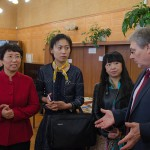 Члены делегации в читально-экспозиционном зале Нижнетагильского городского исторического архива.