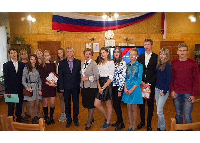Участники конкурса в читально-экспозиционном зале Нижнетагильского городского исторического архива 28.09.2016 года.