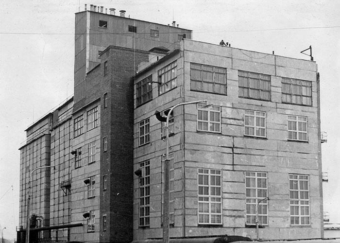 Вид на здание Нижнетагильского пивобезалкогольного завода. 1971 год. (НТГИА. Ф.229. Оп.1. Д.1805)