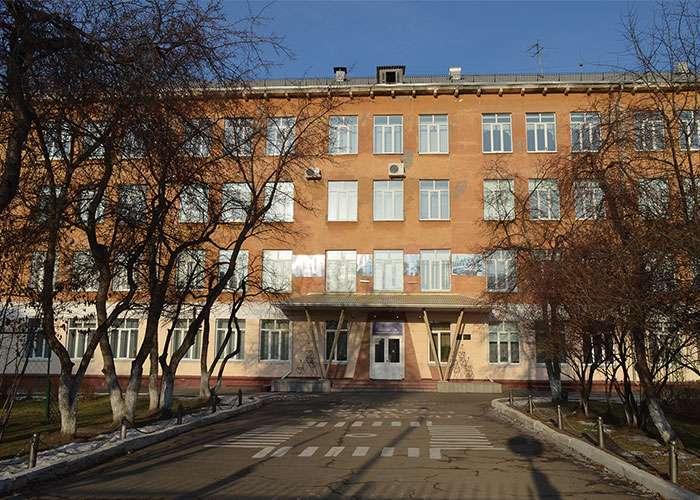 Гимназия № 86, Дзержинский район. Ноябрь 2017 года.
