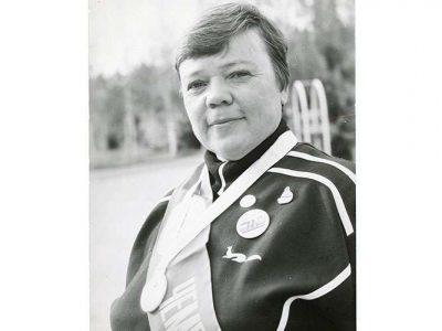 Фотография чемпиона СССР по марафонскому плаванию в холодной воде Н. М. Кныш. 1989 год. (НТГИА. Ф.650.Оп.1.Д.62.Л.1)