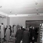 Покупатели в магазине «Женское готовое платье» по ул. Мира. 1962 г. (НТГИА. Коллекция фотодокументов. Оп.1Н1.Д.2545)