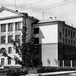 Вид школы № 49. 1962 г. (НТГИА. Коллекция фотодокументов.Оп.1ФА.Д.36.Л.13)
