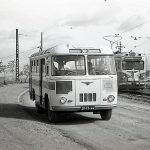 Общественный транспорт во время движения по ул. Индиструальной. 1964 г. (НТГИА. Коллекция фотодокументов.Оп.1Н1.Д.2834а)