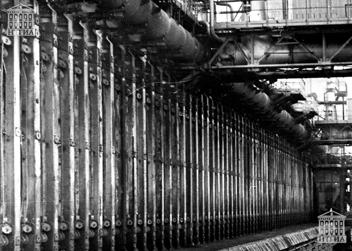 Девятая коксовая батарея Нижнетагильского металлургического комбината. 1987 год. (НТГИА. Коллекция фотодокументов.Оп.1П.Д.195)