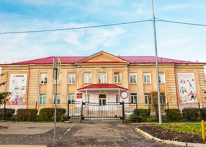 Здание школы № 77 по улице Коминтерна. 2019 год. Фото А.В. Моленковой