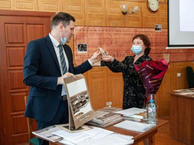 А.А. Драчев с директором Нижнетагильского городского исторического архива Т.А. Вязовой